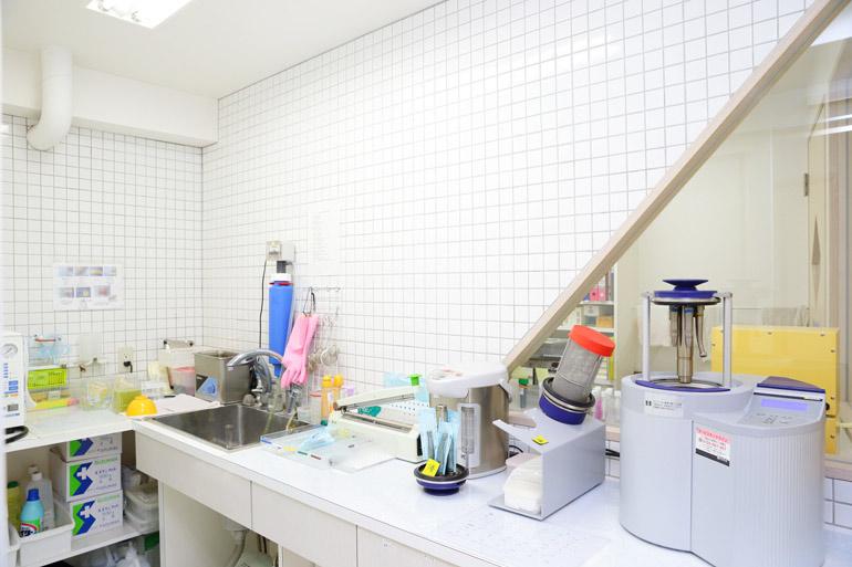 清潔さに配慮した滅菌室
